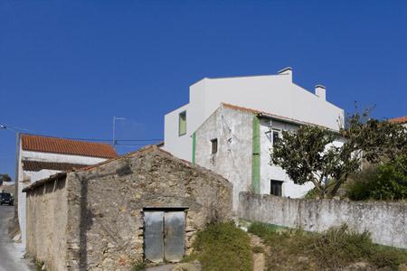 house-at-sobral-da-lagoa-by-bak-gordon-04608pr080630_078d.jpg
