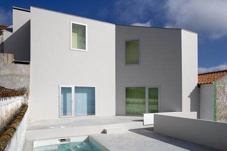 house-at-sobral-da-lagoa-by-bak-gordon-04608pr080630_081d.jpg