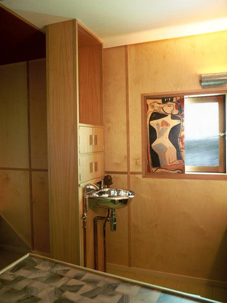 le-corbusier-cabanon-the-interior-ricostruzione-cabanon04.jpg