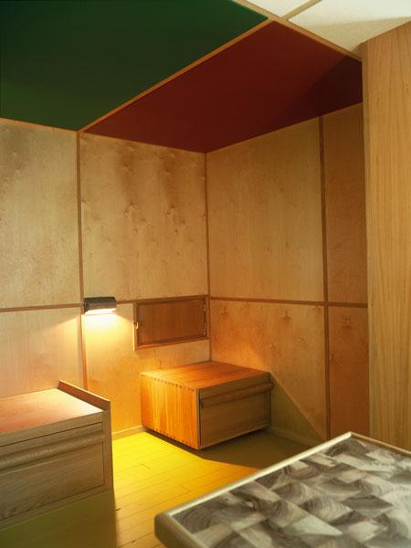le-corbusier-cabanon-the-interior-ricostruzione-cabanon08.jpg