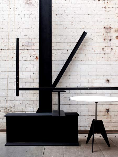 tom-dixon-in-milan-2009-shot_22_screw-table-002.jpg
