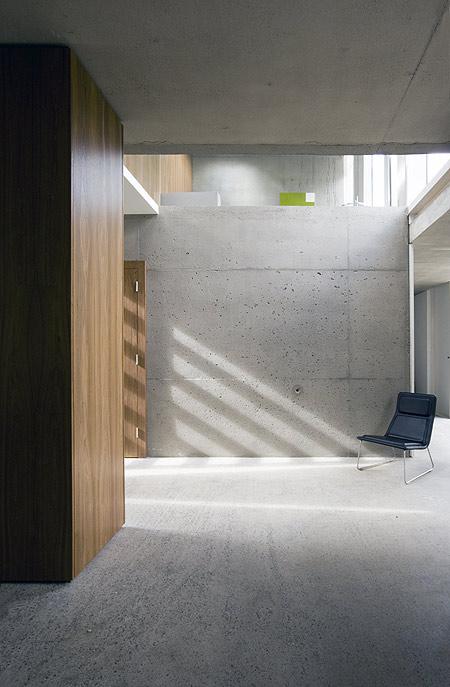 a-house-by-fkl-architects-0810_slr_groundfloor_06.jpg