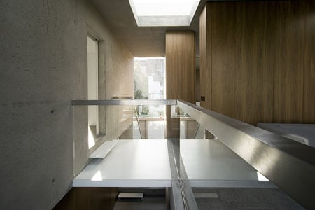 a-house-by-fkl-architects-0810_slr_hall_up_03.jpg