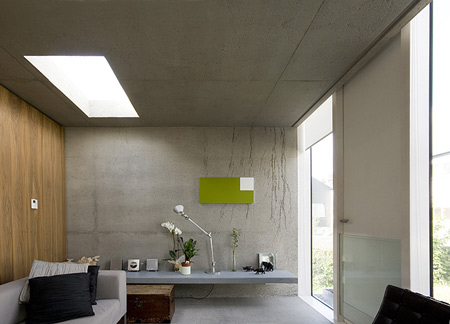a-house-by-fkl-architects-0810_slr_living2_07.jpg