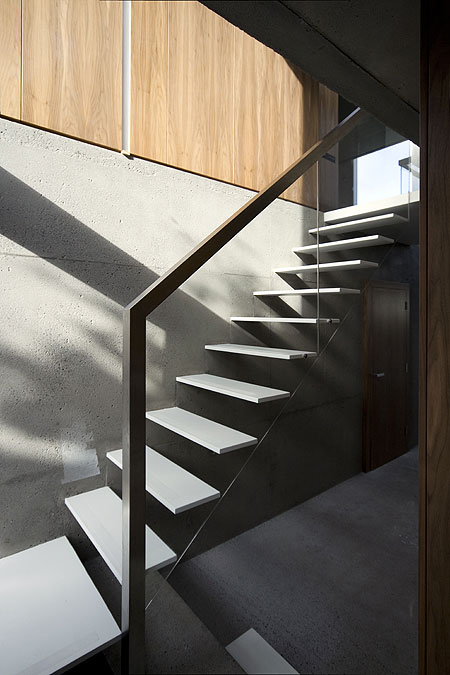 a-house-by-fkl-architects-0810_slr_stairs_01.jpg