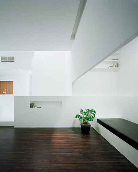 house-of-diffusion-by-formkouichi-kimura-architects-08_kkmh_131tm_s.jpg
