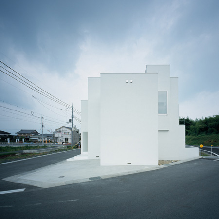 house-of-diffusion-by-formkouichi-kimura-architects-squ-01_kkmh_101_s.jpg