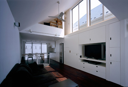 long-tall-house-by-spacespace-23.jpg