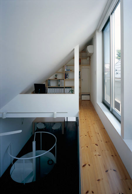 long-tall-house-by-spacespace-28.jpg