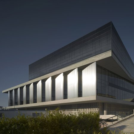 new-acropolis-museum-by-bernard-tschumi-architects-squ-cr3849-090-small.jpg