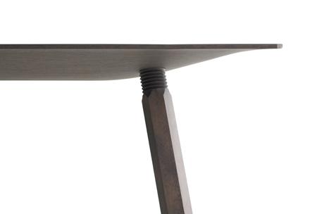 nomad-table-by-jorre-van-ast-arco-nomad-jorre-van-ast-lo.jpg