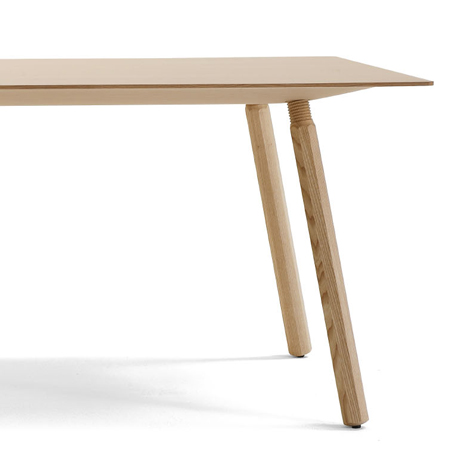 Nomad table by Jorre van Ast