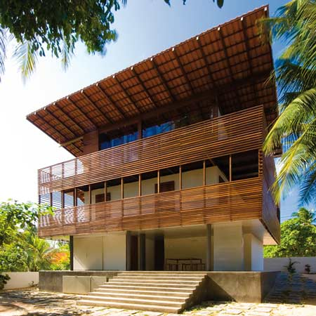 Casa Tropical by Camarim Architects