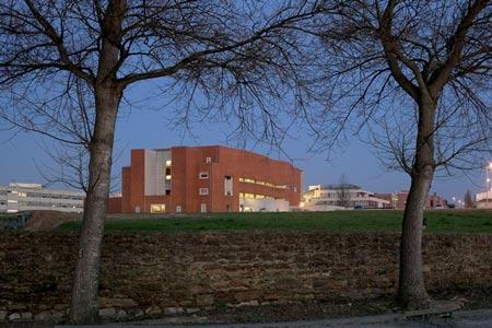 duccio-malagamba-photographs-alvaro-siza-aveiro-university-library-1.jpg