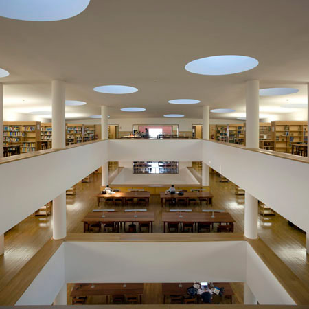 duccio-malagamba-photographs-alvaro-siza-aveiro-university-library-2.jpg
