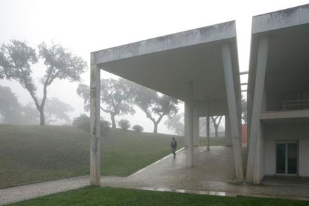 duccio-malagamba-photographs-alvaro-siza-ese-setubal-4.jpg