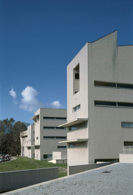 duccio-malagamba-photographs-alvaro-siza-faculty-of-architecture-porto-2.jpg