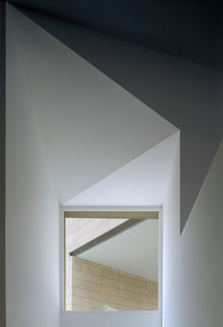 duccio-malagamba-photographs-alvaro-siza-galician-centre-for-contemporary-arts-1.jpg