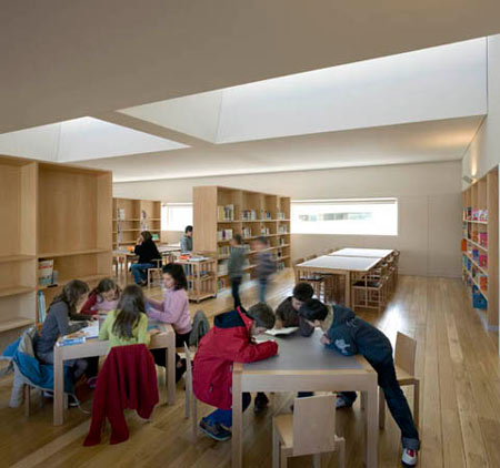 duccio-malagamba-photographs-alvaro-siza-public-library-viana-do-castelo-2.jpg