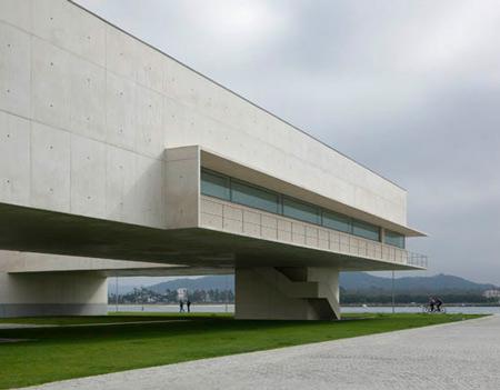 duccio-malagamba-photographs-alvaro-siza-public-library-viana-do-castelo-3.jpg