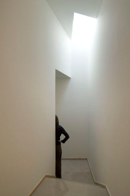 duccio-malagamba-photographs-alvaro-siza-summer-house-in-sintra-1.jpg
