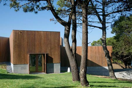 duccio-malagamba-photographs-alvaro-siza-summer-house-in-sintra-3.jpg