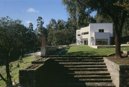 duccio-malagamba-photographs-alvaro-siza-vieira-de-castro-house-2.jpg