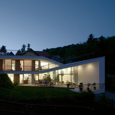 Folded House by Xarchitekten