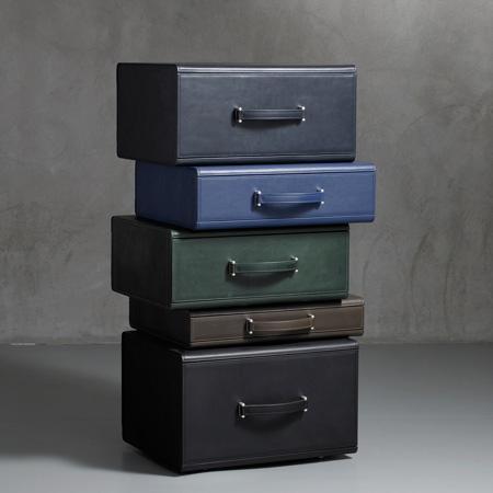 leather-collection-by-maarten-de-ceulaer-nilufar-mag09-3072-var.jpg