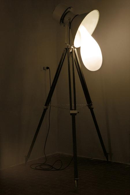 light-blubs-by-pieke-bergmans-130o5983_3.jpg