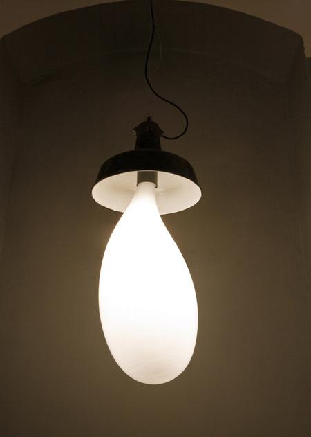 light-blubs-by-pieke-bergmans-130o5992.jpg