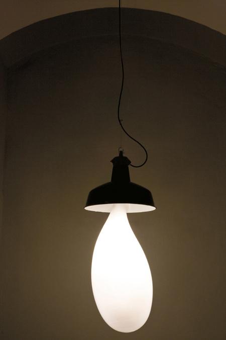 light-blubs-by-pieke-bergmans-130o5994_2.jpg