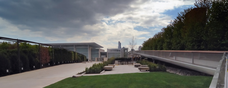 modern-wing-at-the-art-institute-of-chicago-by-renzo-piano-modern_wing_bridge.jpg