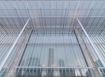 modern-wing-at-the-art-institute-of-chicago-by-renzo-piano-mwfacade.jpg