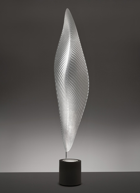 ross-lovegrove-for-artemide_cosmic-leaf-terra-by-r.jpg