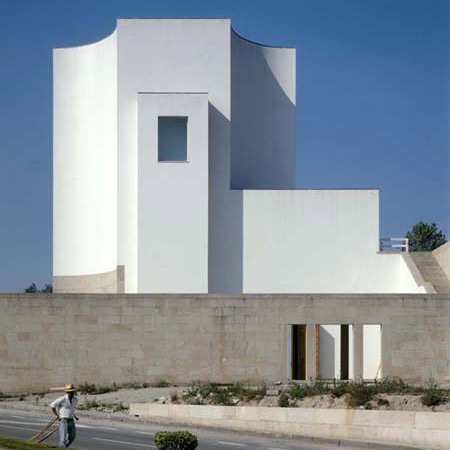 Selected projects by Álvaro Siza photographed by Duccio Malagamba
