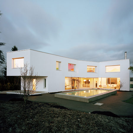 House in Binningen by Luca Selva Architekten