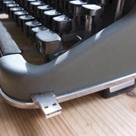 memory-stucks-by-beta-tank__typewriter2.jpg