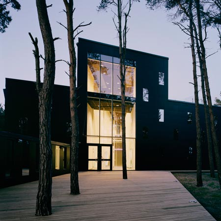 Mirage by Kjellgren Kaminsky Architects