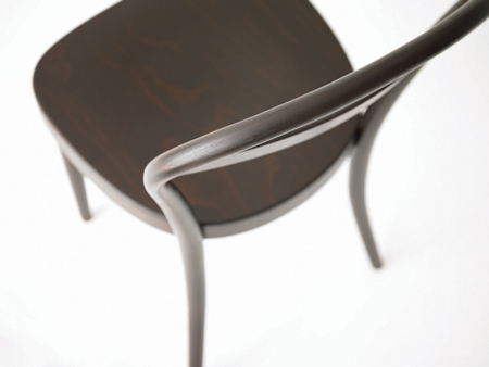 bentwood-and-tubular-steel-furniture-by-muji-with-thonet-09.jpg
