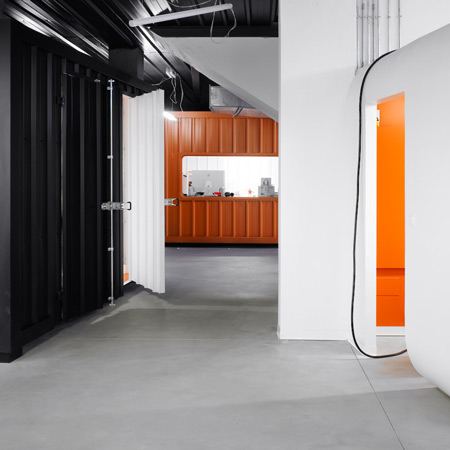 dinahosting-offices-by-o-antidoto-01a