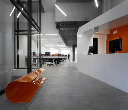 dinahosting-offices-by-o-antidoto-02.jpg