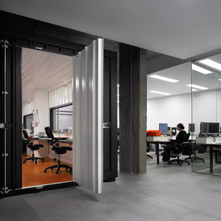 dinahosting-offices-by-o-antidoto-03.jpg