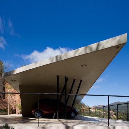 PL House by Fernando Maculan and Pedro Morais