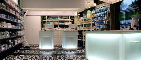 plaza-nueva-pharmacy-by-mobil-m_pan-interior.jpg