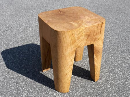 bow-wow-stool-by-morten-emil-engel-02.jpg