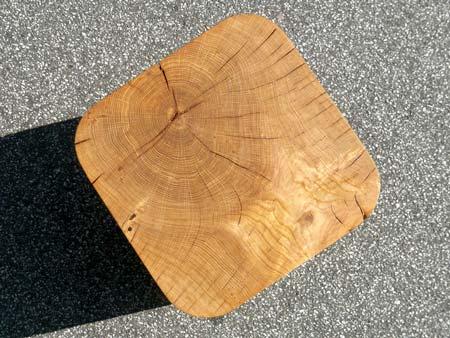 bow-wow-stool-by-morten-emil-engel-03.jpg