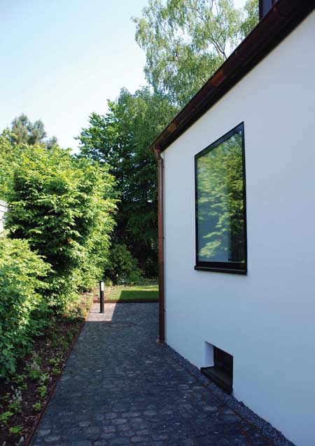 haus-by-anne-menke-and-winkens-architekten_photo14.jpg