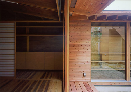 house-in-wakaura-by-archivi-architects-associates10.jpg