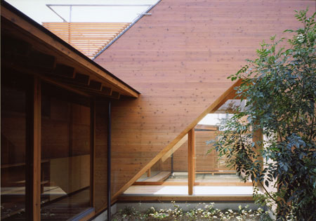 house-in-wakaura-by-archivi-architects-associates11.jpg
